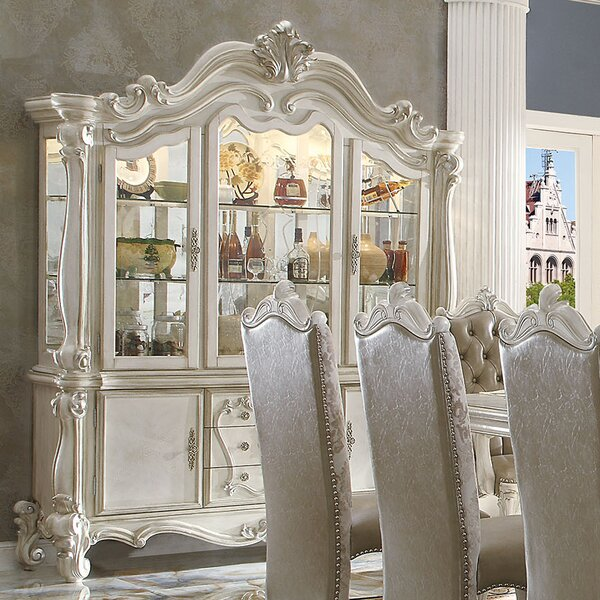 Versailles China Cabinet by A&J Homes Studio A&J Homes Studio