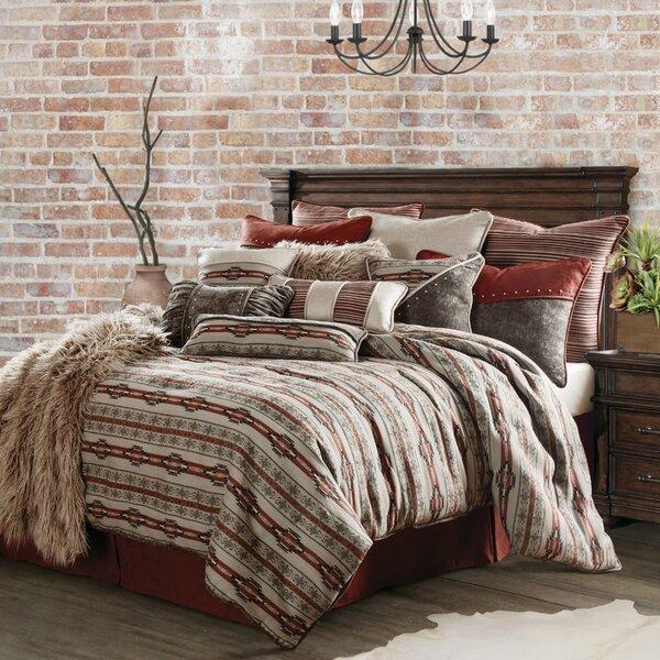Larsen 4 Piece Comforter Set
