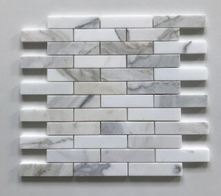 Staggered Calacatta 1 x 4 Marble Mosaic Tile in White/Gray by La Maison en Pierre
