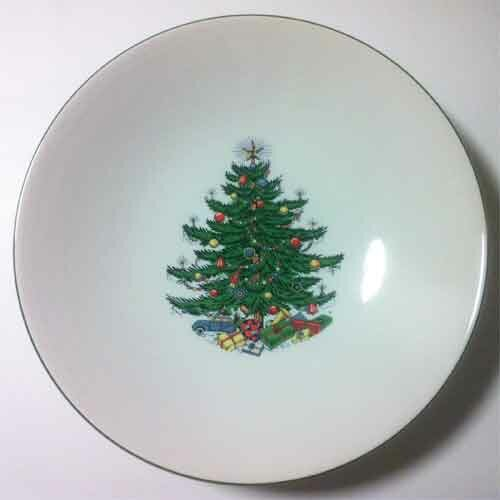 Original Christmas Tree Traditional Pasta/Salad Bowl by The Holiday Aisle