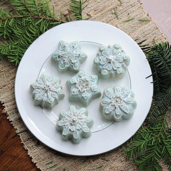 Frozen Snowflake Non-Stick Cake Pan by Nordic Ware