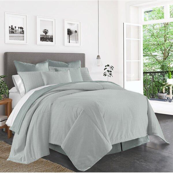 Acampo Comforter Set