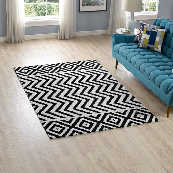 Shaunna Black/White Area Rug by Ivy Bronx