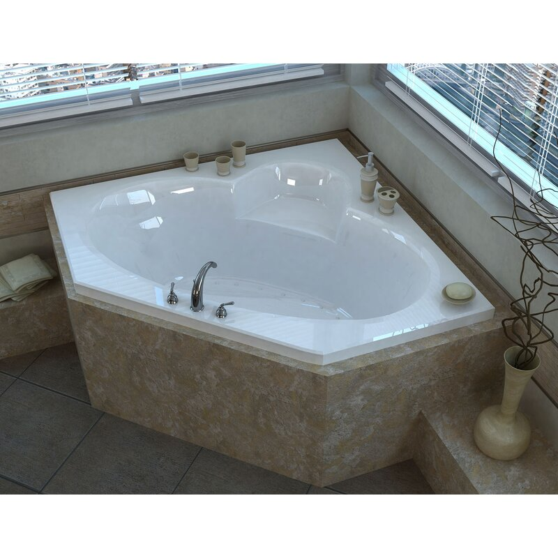Curacao 61 13 Corner Air Jetted Bathtub With Center Drain