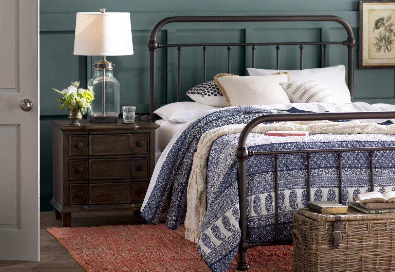 Harlow metal panel bed reviews birch lane for Harlowe bed