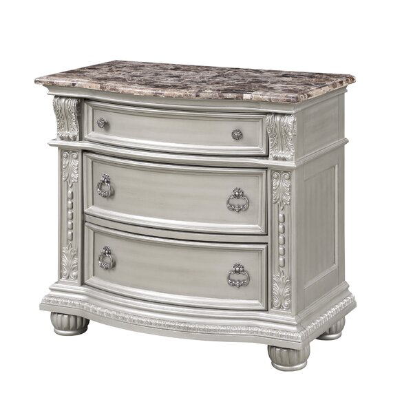 Vikenti 3 Drawer Bachelors Chest by Astoria Grand