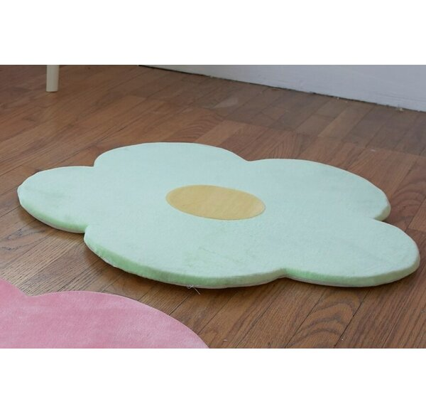 Baldree Kids Daisy Flower Kids Rug by Harriet Bee