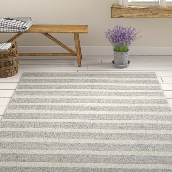 Quays Hand-Woven Gray/Ivory Area Rug by Gracie Oaks