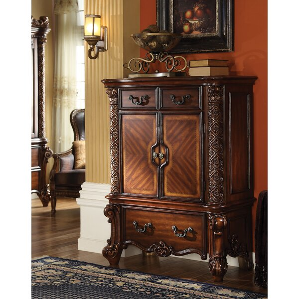 Welles 3 Drawer Chest by Astoria Grand