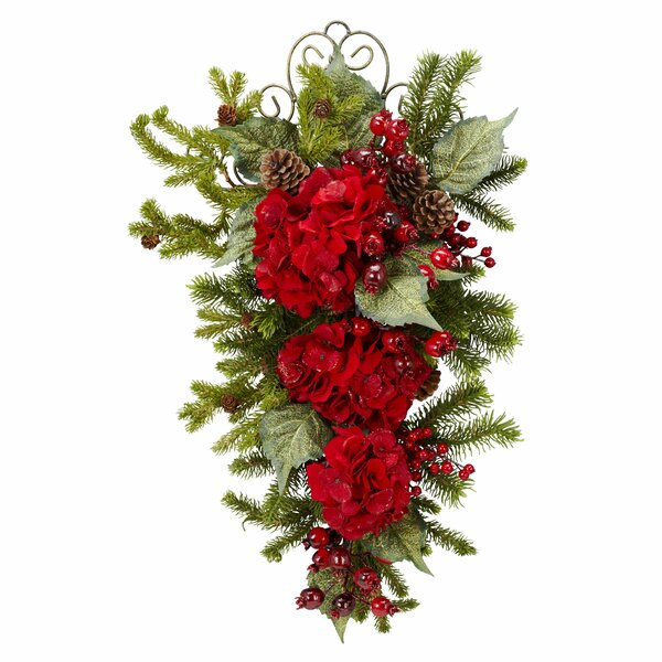Christmas Hydrangea Garland by The Holiday Aisle