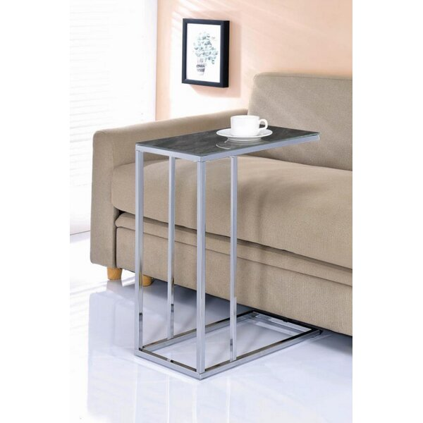 Review Berens End Table