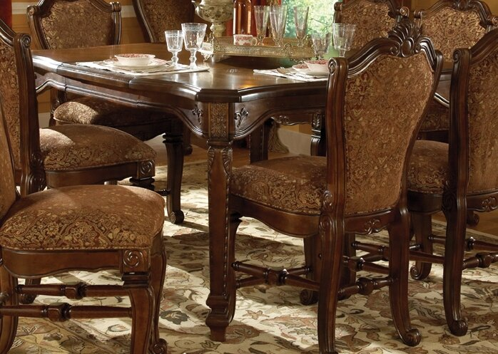 Good Windsor Court 9 Piece Dining Set