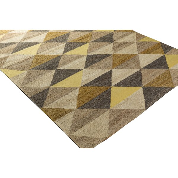 Vasta Hand-Woven Area Rug by Wrought Studio
