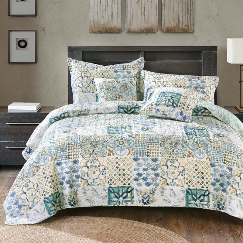 Tyra Patchwork Quilted Coverlet Bedspread Set