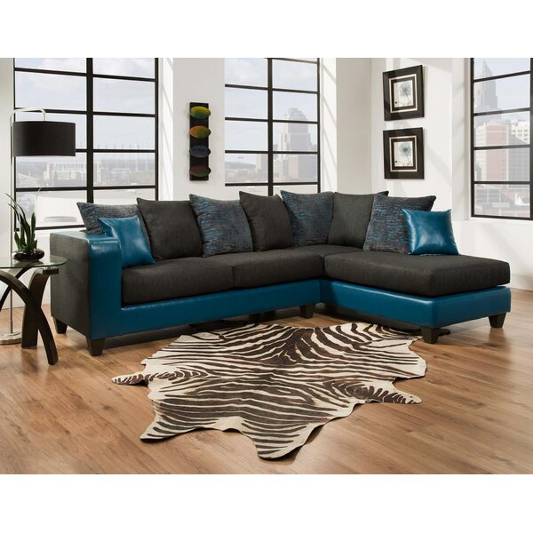 Linzy Sectional by Latitude Run