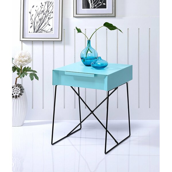 Glidewell Retro Styled End Table by Ivy Bronx