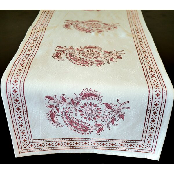 Lillian The Scrolling Vines Runner by Bungalow Rose