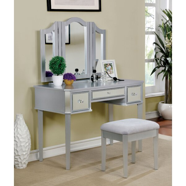 Vivien Vanity set with Mirror by Rosdorf Park Rosdorf Park
