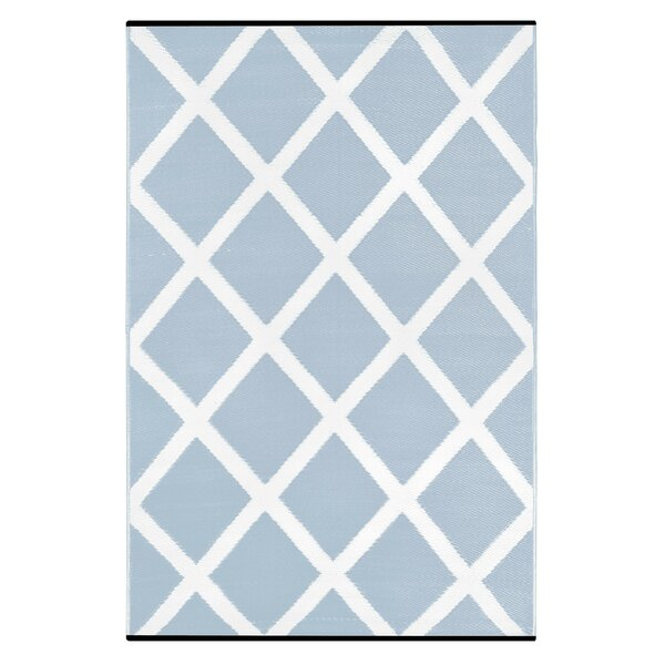 Lightweight Reversible Diamond Light Blue/White Indoor/Outdoor Area Rug
