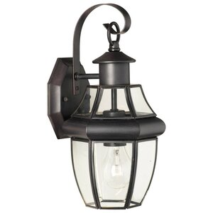 Heritage 1-Light Outdoor  Wall Lantern