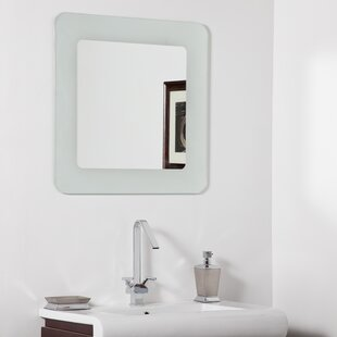 Decor Wonderland Bella Modern Wall Mirror