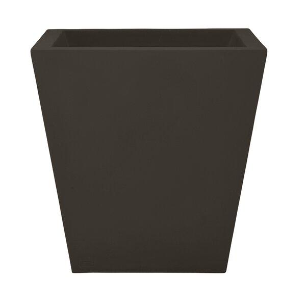 Chamfered Composite Pot Planter by JANUS et Cie