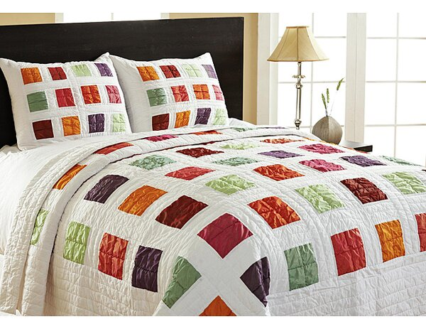 Arabesque Twin Quilt Set by Amity Home