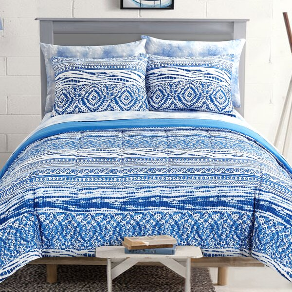Cary Reversible Comforter Set by Highland Dunes