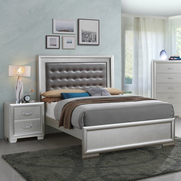 Aguilera Tufted Standard Bed by Everly Quinn Everly Quinn