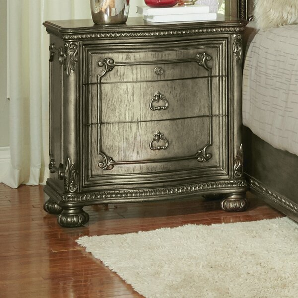 Liola 3 Drawer Bachelors Chest by Astoria Grand
