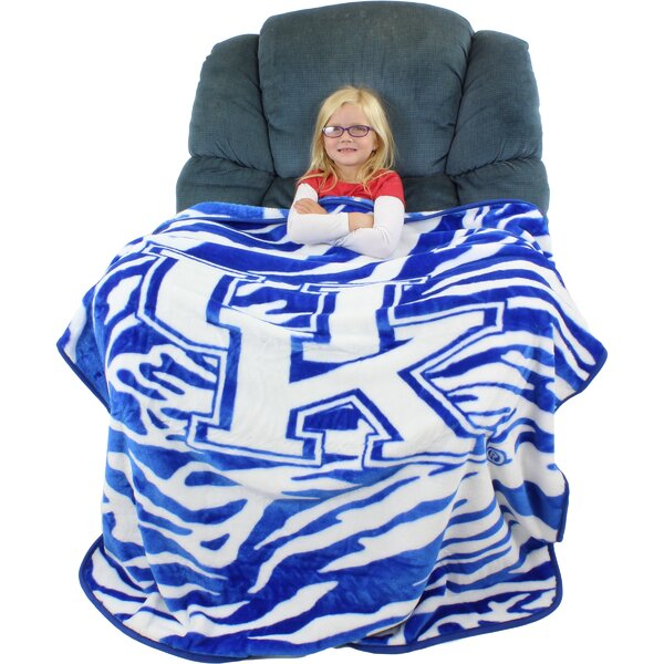 Kentucky Wildcats Throw Blanket by College Covers