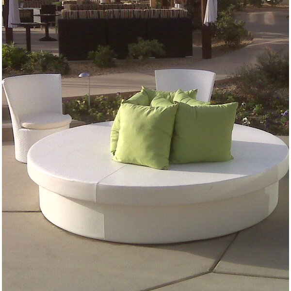 Sun Pad Round Resort Bed by La-Fete