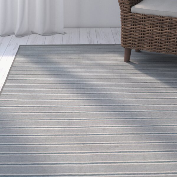Palm Shores Hand-Woven Gray Area Rug by Beachcrest Home