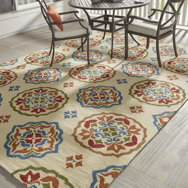 Union Hand-Hooked Cream/Red Indoor/Outdoor Area rug by Darby Home Co