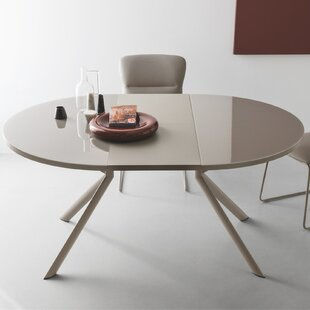 Meadowbrook Round Extendable Dining Table
