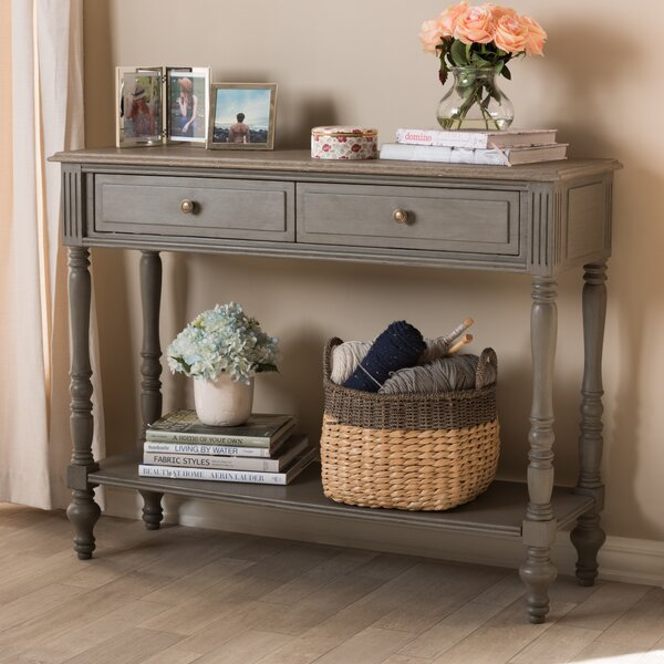 Review Baden Console Table