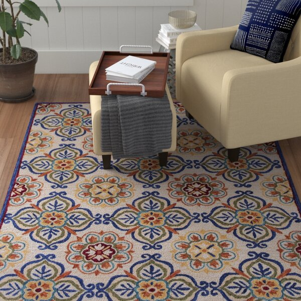 Guillory Hand-Hooked Ivory/Blue Area Rug by Red Barrel Studio