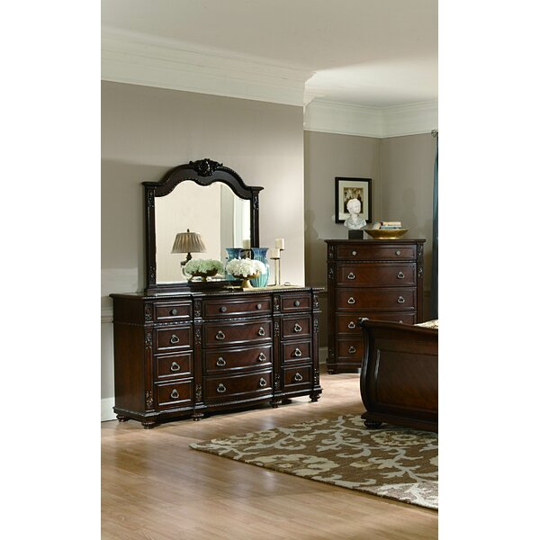 Flagg Hill 5 Drawer Chest by Astoria Grand