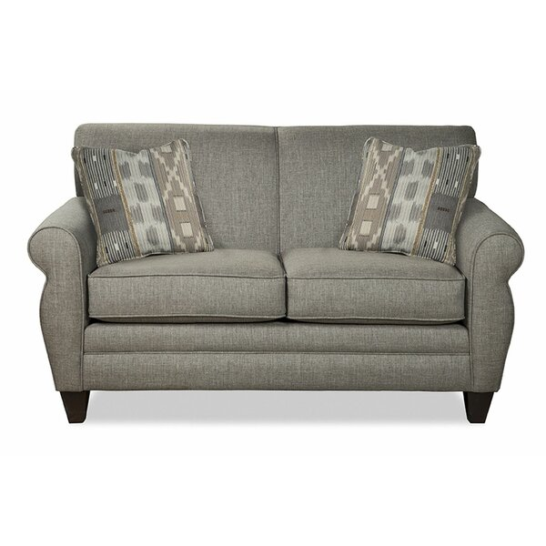 Review Macarena Loveseat