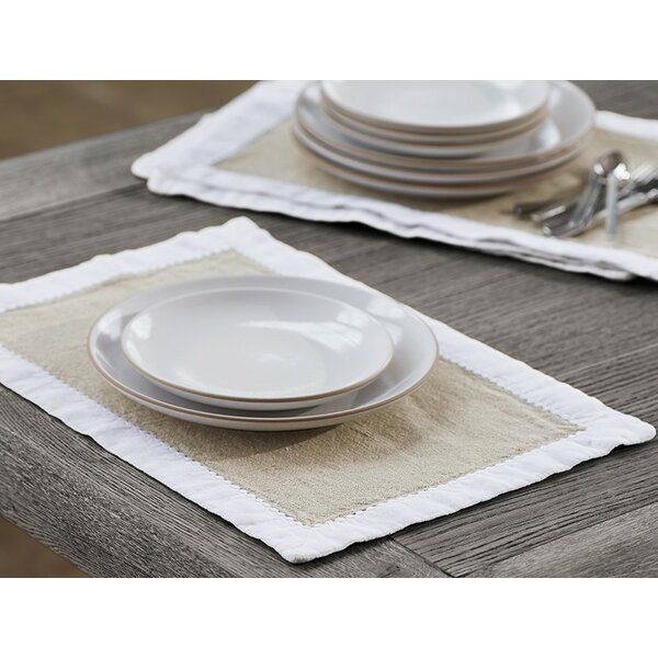 Simple Linen Placemat (Set of 4) by Coyuchi