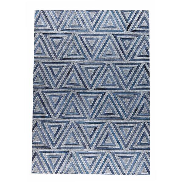 Lyra Handmade Gray/Blue Area Rug by M.A. Trading
