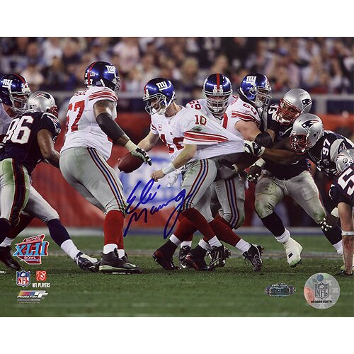 Eli Manning Super Bowl XLII Escaping Tackle Horizontal Graphic Art by Steiner Sports