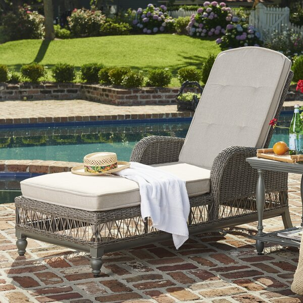 Dogwood Chaise Lounge with Cushion