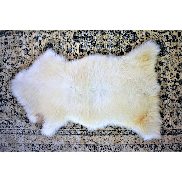 Burgett Animal Print Handmade 2'2 x 3'4 Sheepskin  Cream Indoor / Outdoor Area Rug
