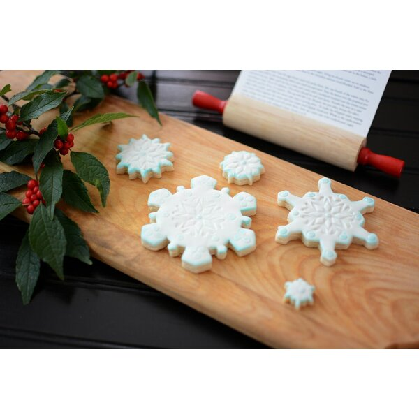 5 Piece Snowflake Plastic Cookie Cutter Set by R & M International Corp.