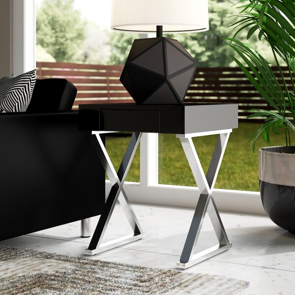 Niamh End Table By Wade Logan
