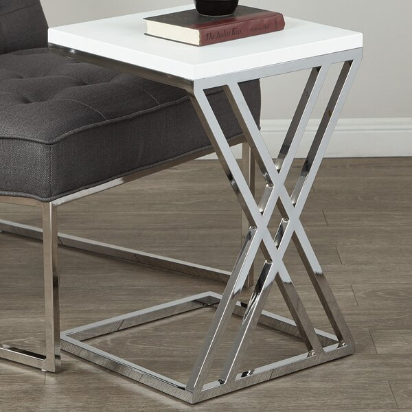 Mapleton End Table By Wade Logan