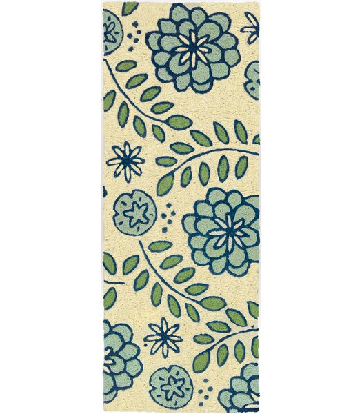Janke Marigolds Hand-Hooked Beige/Blue Indoor/Outdoor Area Rug by Winston Porter