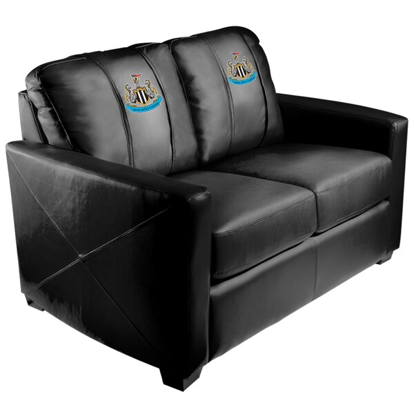 Review Newcastle Loveseat