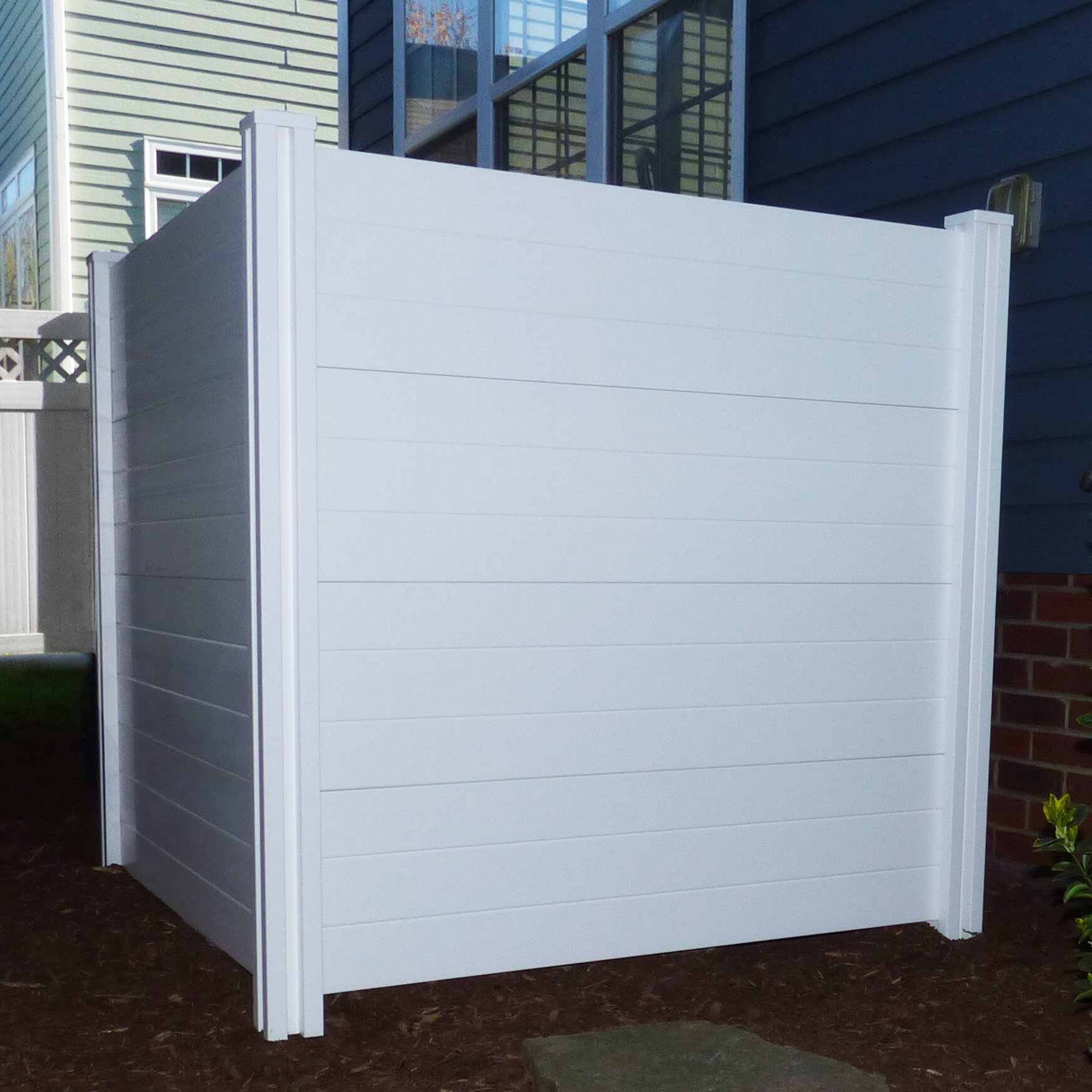 Privacy: Zippity Outdoor Products Deluxe Premium No Dig Vinyl